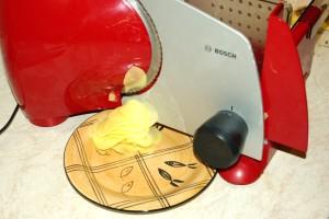Plátkování bůdoucích chipsů